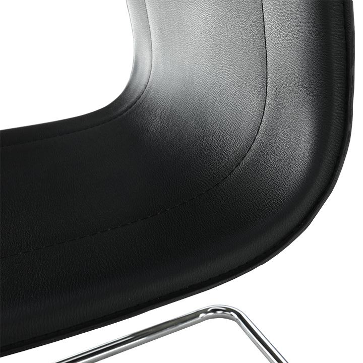 Stolička, ekokoža čierna, MI-01, detail na sedadlo