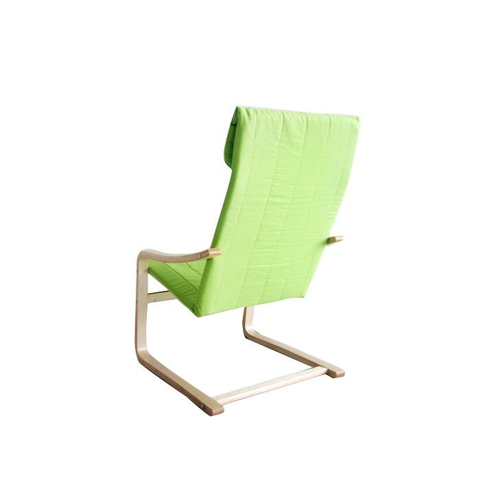 Relaxačné kreslo, brezové drevo/zelená látka, TORSTEN, detail z boku na bielom pozadí
