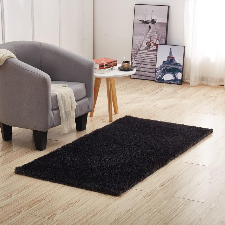 Koberec, sivá, 140x200, interiérová fotka, DELLA