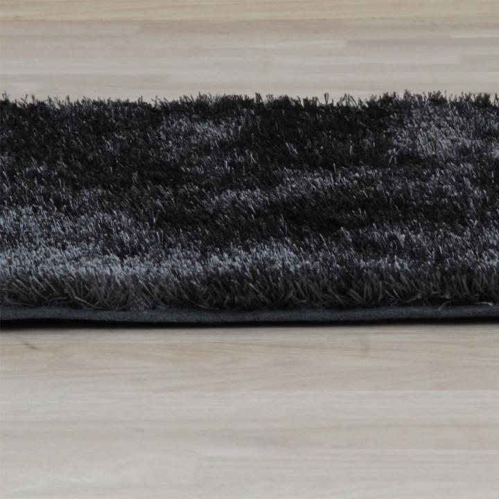 Koberec, sivá, 140x200, pohľad z boku, DELLA