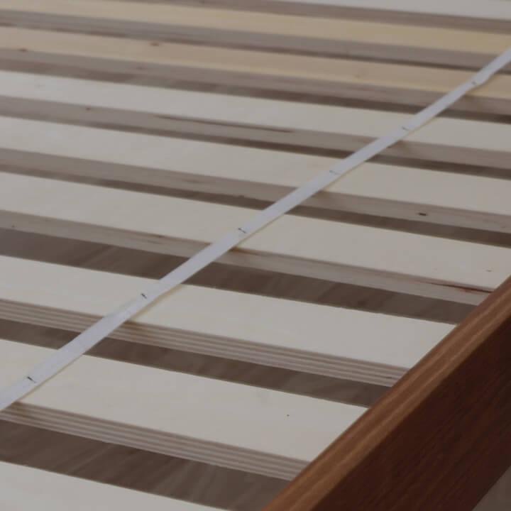 Poschodová posteľ, borovicové drevo svetlohnedá, VERSO - detail roštu