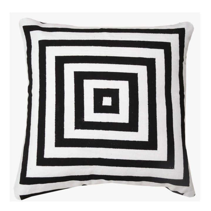 Vankúš, bavlna/vzor čierny pásik, NOVEL TYP 2, na bielom pozadí