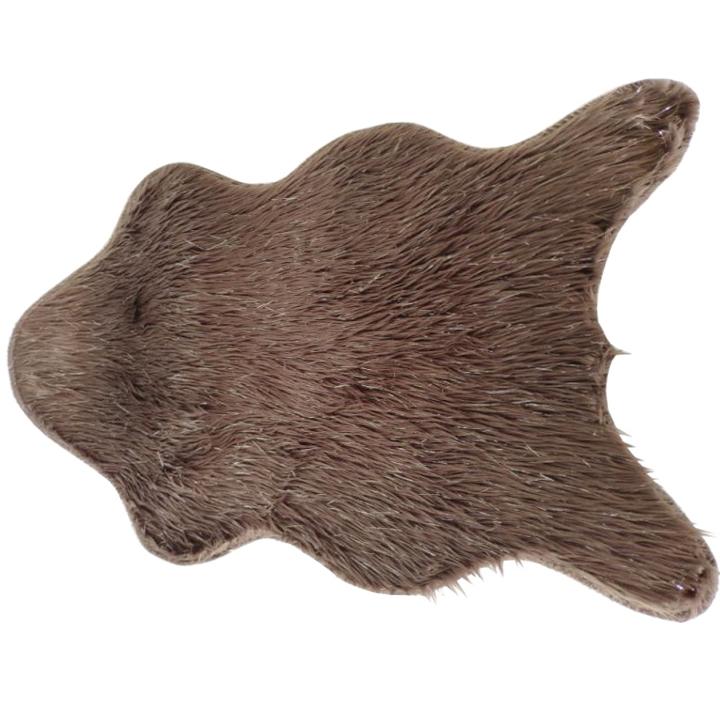 Fox kožušina v sivohnedej taupe a striebornej