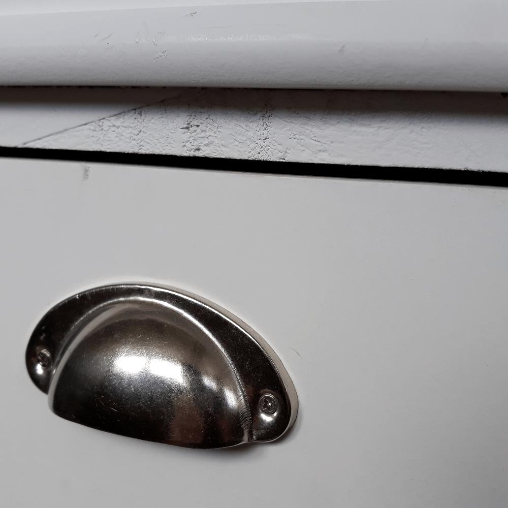 Komoda, 2 košíky, sivá/biela, MATIAS 2, poškodený tovar