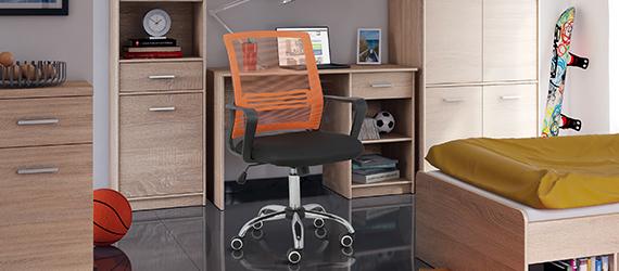 Stoličky a kreslá do študentskej izby