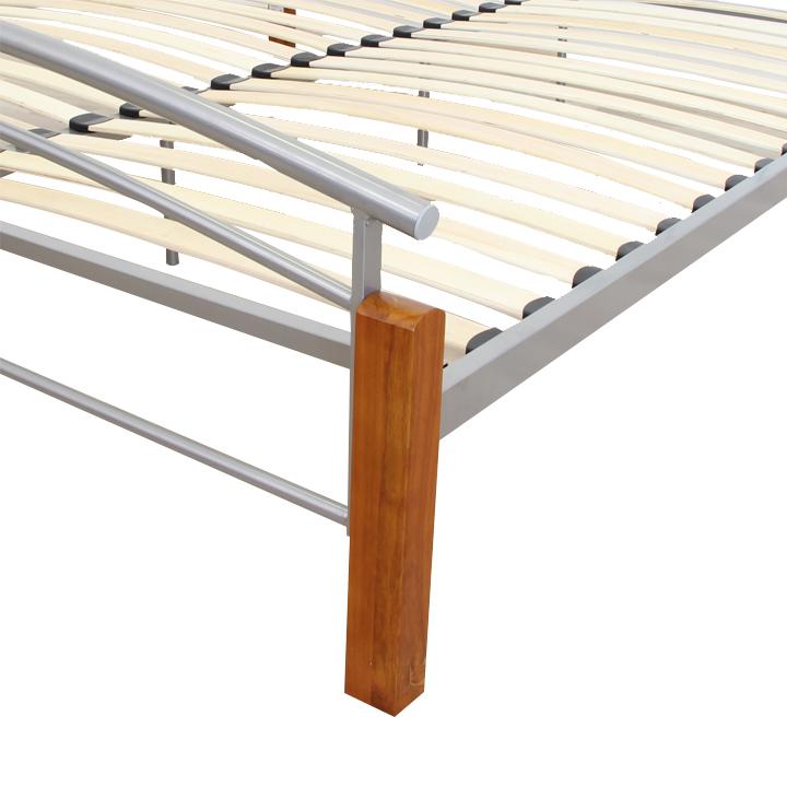 Manželská posteľ, drevo jelša/strieborný kov, 180x200, detail na nožičky, MIRELA