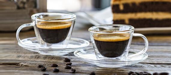 Poharak, bögrék és csészék